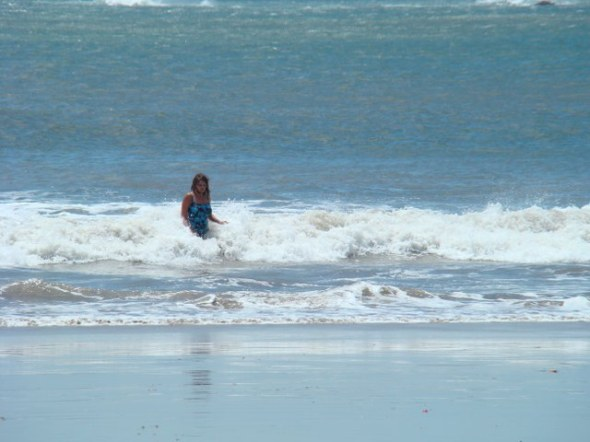Tra working the surf