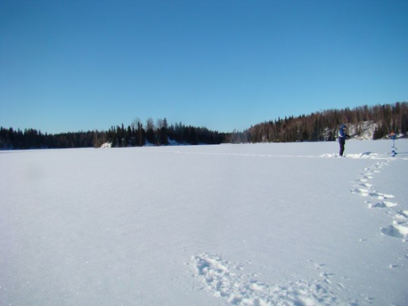 ice-fishing-018_640x480