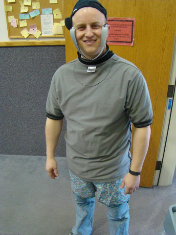 Mr. Kelly got to dress himself tonight!