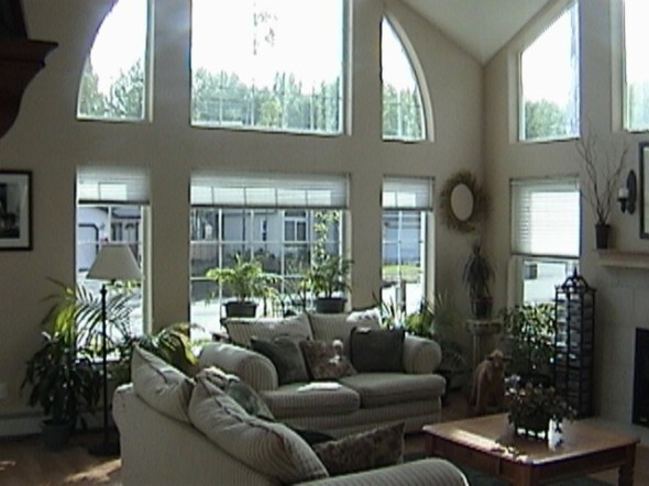 Eagle River home living room